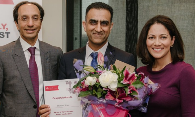 Managing director, Khurshid Khan, wins Mentor of the Year - image